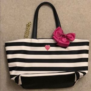 Betsey Johnson tote w matching cosmetic bag